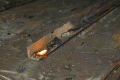 röd svetsning för varm metalwork royaltyfri foto