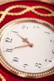 röd tambour för antik klockacloseguld upp Royaltyfri Foto