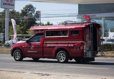 Röd taxi Chiang Mai Service i stad och omkring Arkivfoton