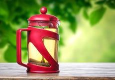 röd teapot Royaltyfri Bild