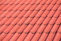 Röd tegelplattabeståndsdel av taket Royaltyfri Fotografi
