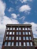 Röd tegelstenbyggnad Royaltyfri Fotografi