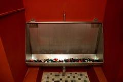 röd toalett Royaltyfria Foton