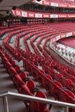 Röd tom placering inom Da Luz Stadium i Lissabon, Portugal royaltyfria bilder