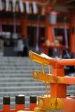 Röd torii på Japan Royaltyfria Bilder