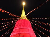 Röd torkdukepagod i Thailand royaltyfria bilder