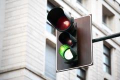 röd trafikyellow för klartecken arkivfoto