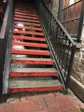 röd trappa royaltyfria foton