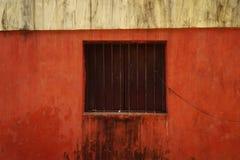 Röd vägg 1 Arkivbild