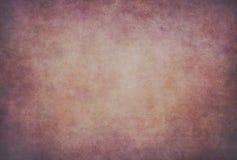 Röd violett prickig grungetextur, bakgrund arkivfoto