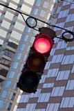 röd visande signaleringstrafik Royaltyfri Foto
