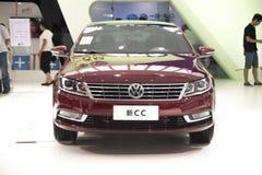 Röd volkswagens ny cc-bil Royaltyfri Fotografi