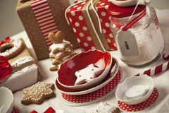 röd white Arkivfoton
