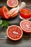 röda apelsiner Blodiga Sicilian apelsiner Laga mat ny fruktsaft Royaltyfria Bilder