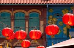 röda chinatown lyktor fotografering för bildbyråer