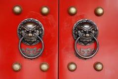röda dörrar Arkivfoto