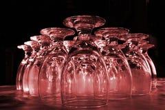 röda drinkexponeringsglas Arkivfoto