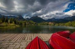 Röda fartyg Arkivfoto