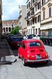 Röda Fiat 500 Arkivfoto