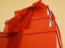 Röda gåvor Arkivbild