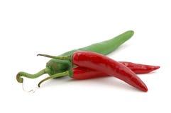 röda gröna varma peppar för chili Royaltyfri Fotografi