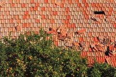 Röda grungy belägger med tegel Royaltyfria Bilder