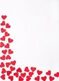 Röda hjärtor på vit bakgrund Royaltyfri Foto