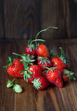 röda jordgubbar Arkivfoton