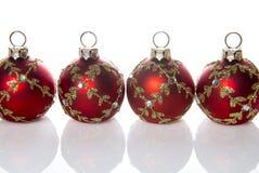 Röda julbollgarneringar Royaltyfri Bild