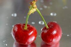 Röda körsbär Arkivfoto