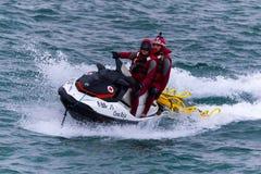 Röda korset, maritim räddningsaktion och watercraft Royaltyfri Fotografi