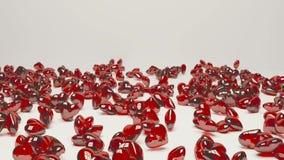 Röda kristallhjärtor tappar golvet vektor illustrationer
