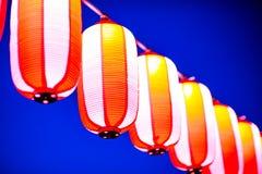 Röda lyktor under den kinesiska festivalen för nytt år, selektiv fokus Royaltyfri Fotografi