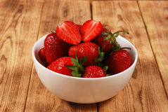 Röda mogna jordgubbar Royaltyfri Foto