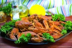 Röda och aptitretande kokta languster Royaltyfria Foton