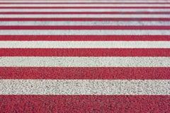 Röda och vita band som bleknar djup av backg för textur för fälteffekt Royaltyfri Bild
