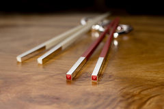 Röda och vita pinnar Fotografering för Bildbyråer