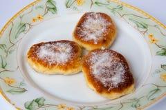 röda pannkakor för stuga för bakgrundscanapeost Arkivfoto
