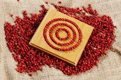 röda peppercorns royaltyfri bild