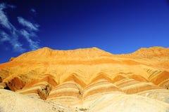 Röda rocks och blå sky Arkivfoton