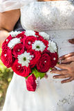 Röda rosor som gifta sig buketten Royaltyfria Bilder