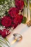 Röda rosor - valentindag Arkivbild