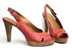 Röda sandaler för hög häl Royaltyfri Fotografi