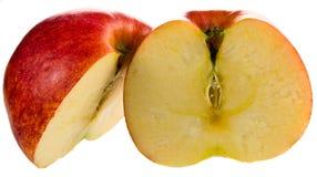 röda sidoskivor för äpple Royaltyfria Bilder