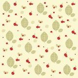 Röda skogberrys med det gröna bladtrycket Royaltyfri Fotografi