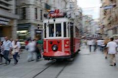 Röda spårvagnar av Istanbul royaltyfri fotografi