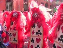 Röda spela kort för Cento-karneval Arkivfoto