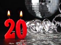 Röda stearinljus som visar Nr 20 Arkivbilder