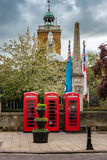 Röda telefonbås Northampton UK Arkivfoto