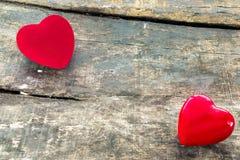 Röda valentinhjärtor royaltyfri foto